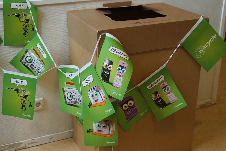 Walsprong redt apparaten van de afvalberg